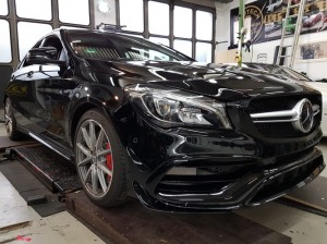 Mercedes CLA 45 AMG in Chrom matt Flip Flop_000004.jpg