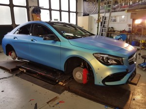 Mercedes CLA 45 AMG in Chrom matt Flip Flop_000008.jpg