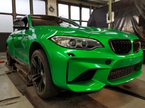 BMW-M2-in-green-gloss-car-wrapping-vollfolierung_016.jpg
