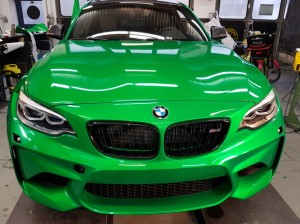 BMW-M2-in-green-gloss-car-wrapping-vollfolierung_017.jpg