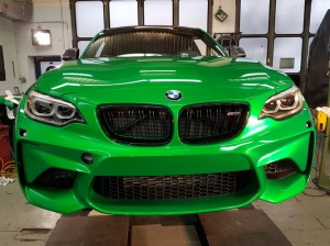 BMW-M2-in-green-gloss-car-wrapping-vollfolierung_018.jpg
