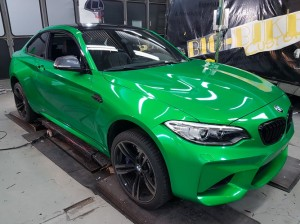 BMW-M2-in-green-gloss-car-wrapping-vollfolierung_022.jpg